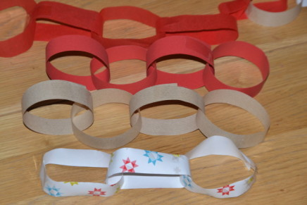 What's the best material for a Christmas paper chain?
