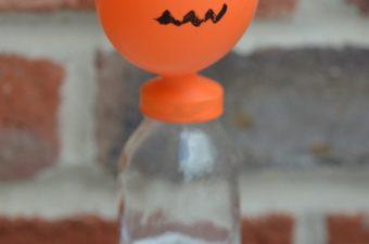 Blow up a pumpkin balloon - baking soda reaction