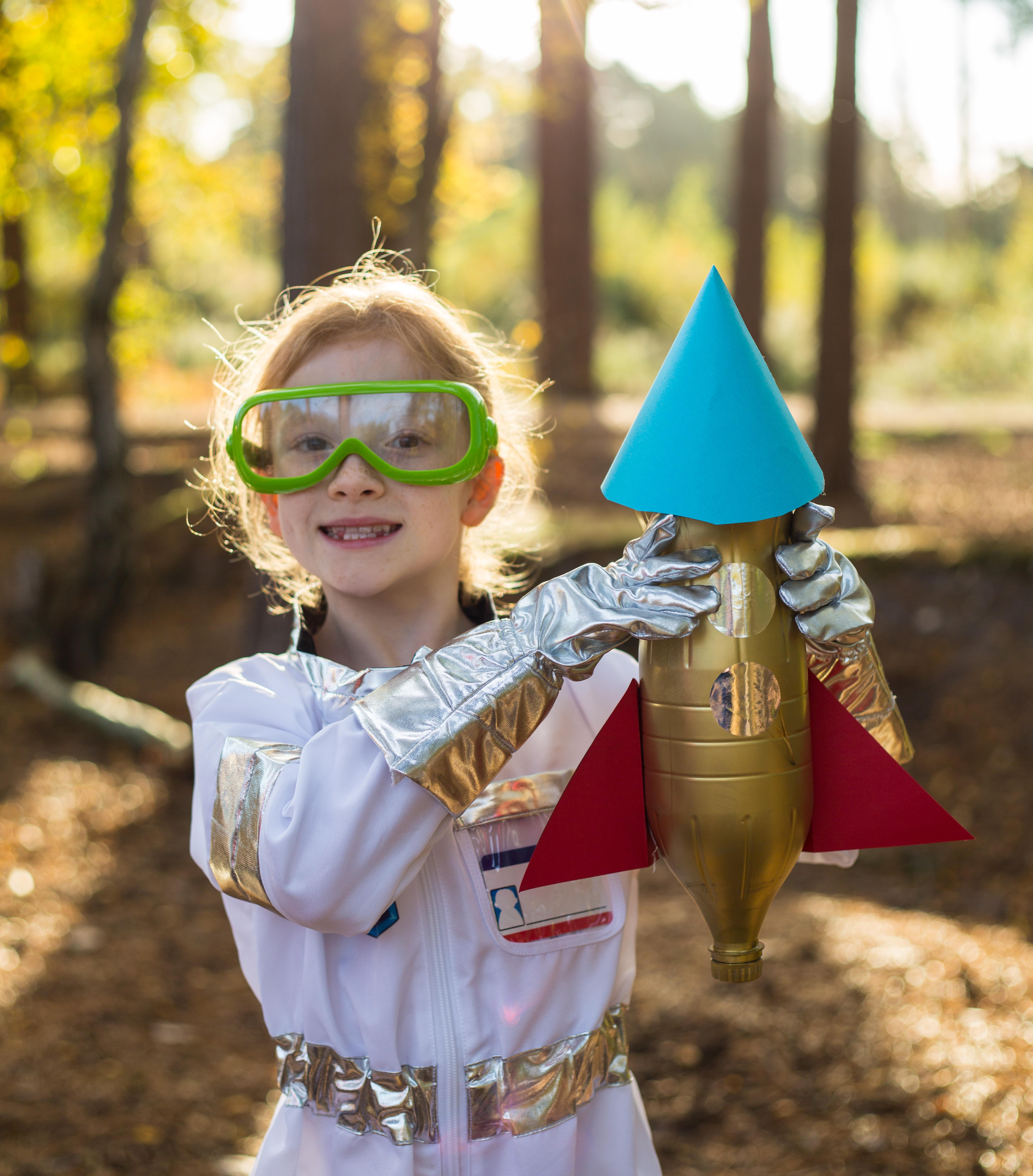 How to make a Bottle Rocket – Science Sparks