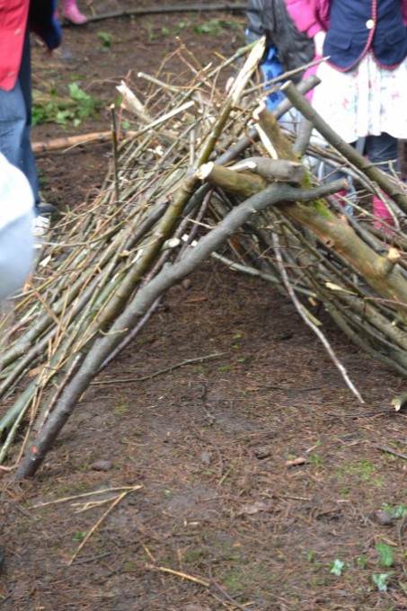 Den building - easy den for kids