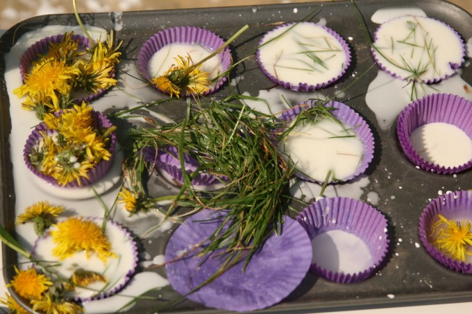 oobleck flower cakes - messy science for kids