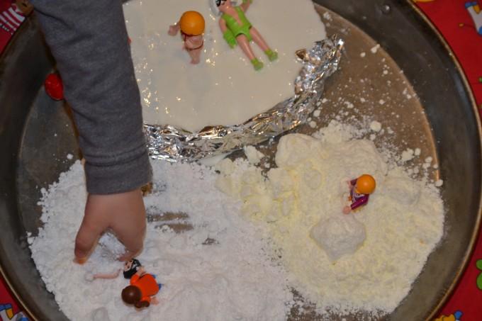 Pretend snow - snow dough recipe