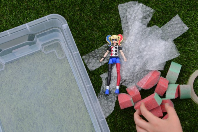 superhero science investigation - make a small figure float