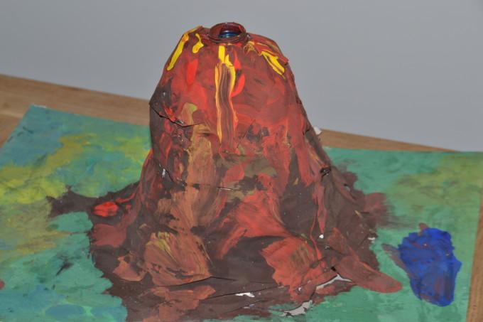 paper mache volcano model