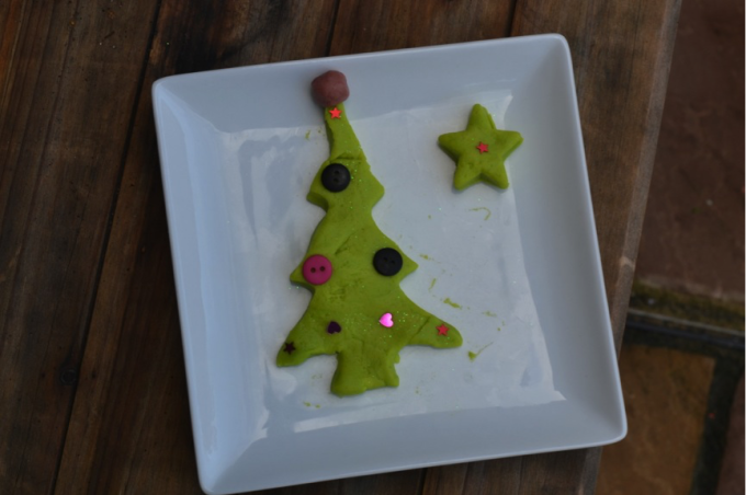 christmas play dough tree #christmascrafts