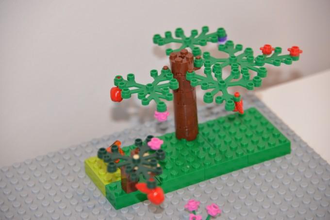 Summer LEgo Tree