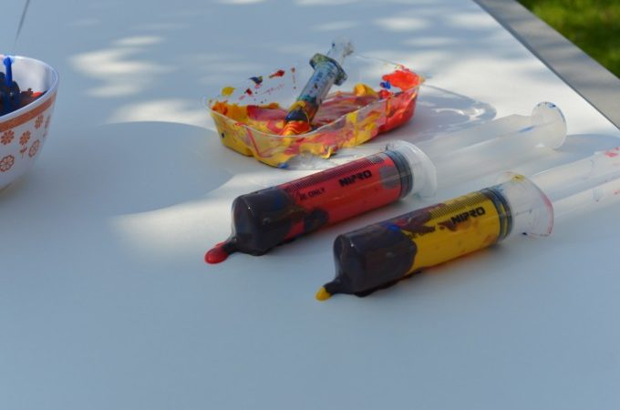 Syringe Painting - messy science for kids