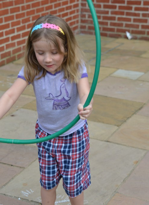 skip hula hoop