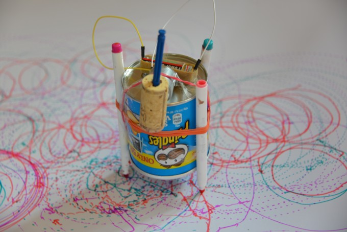 Finished Art Bot or Scribble Bot. Made using a pringles tube, pens, battery and motor #STEMProject #Scienceforkids