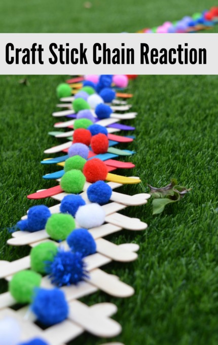 Popsicle stick chain reaction. Full instructions for how to set up a craft stick chain reaction. Brilliant outdoor science for kids #scienceforkids #outdoorscience #scienceexperiments #popsiclestickcrafts