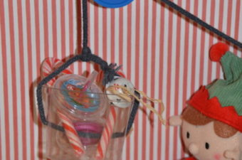 Christmas STEM Challenge – Pulley for the Elf