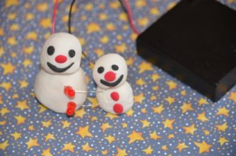 Light Up Snowman – Play Dough Circuit