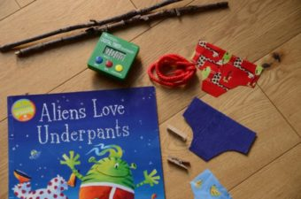 Aliens Love Underpants – Washing Line