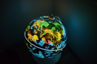 Oregon Scientific Day and Night Globe