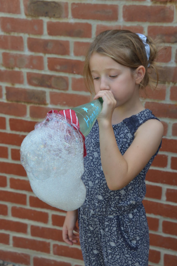 Bubble Snake with a bottle - science for kids