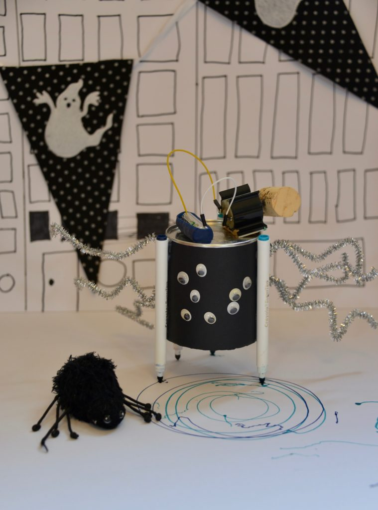 Spider drawing robot - electricity for kids