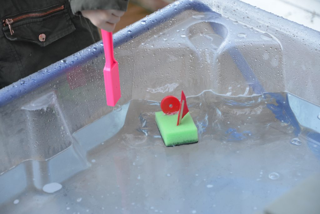 Magnet powered boats - science for kids