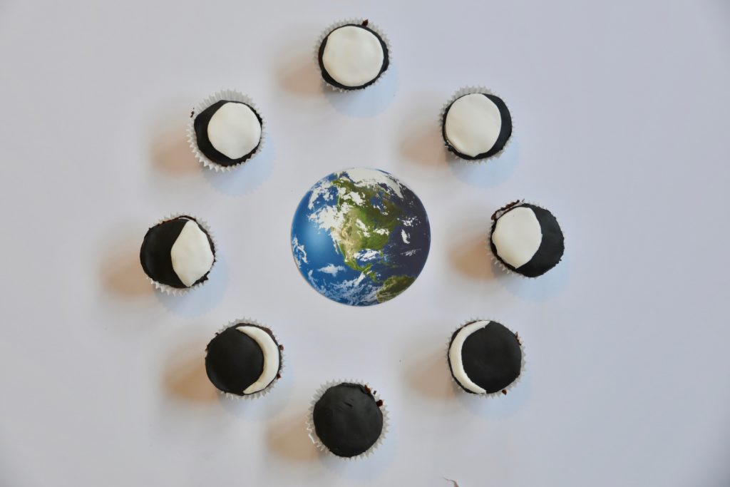 moon phase cupcakes