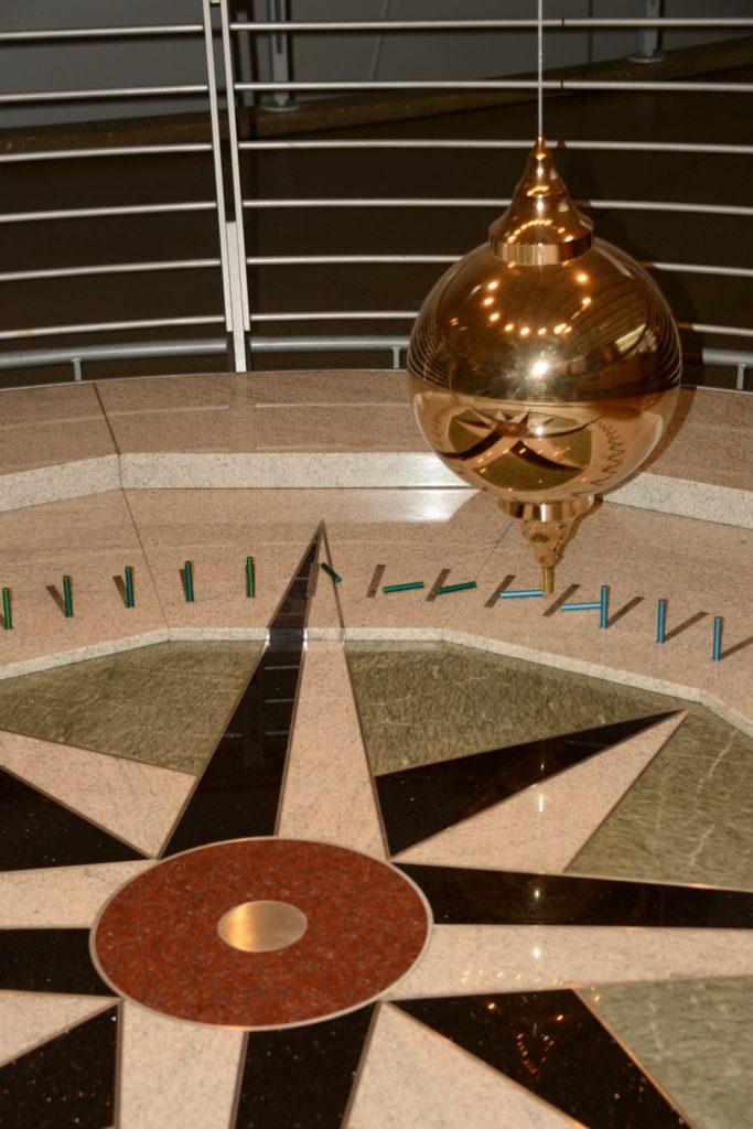 Foucaults Pendulum - California Academy of Sciences