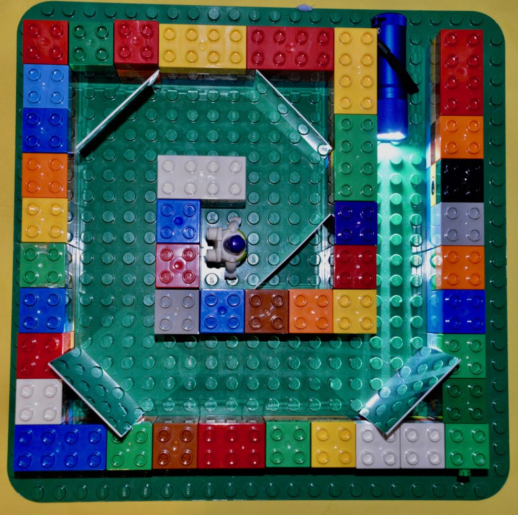 Lego light maze