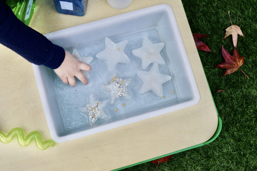 Frozen star shaped ice - ice activity for kids #ChristmasScience
