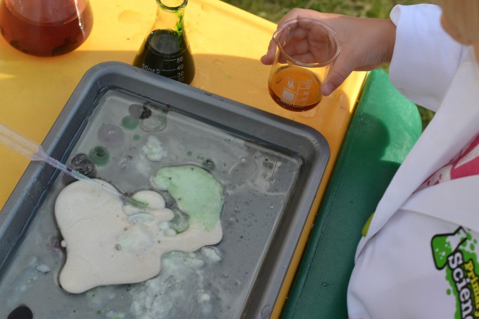 Baking soda and vinegar investigation for preschoolers