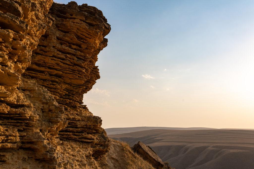 A cliff of sedimentary rocks