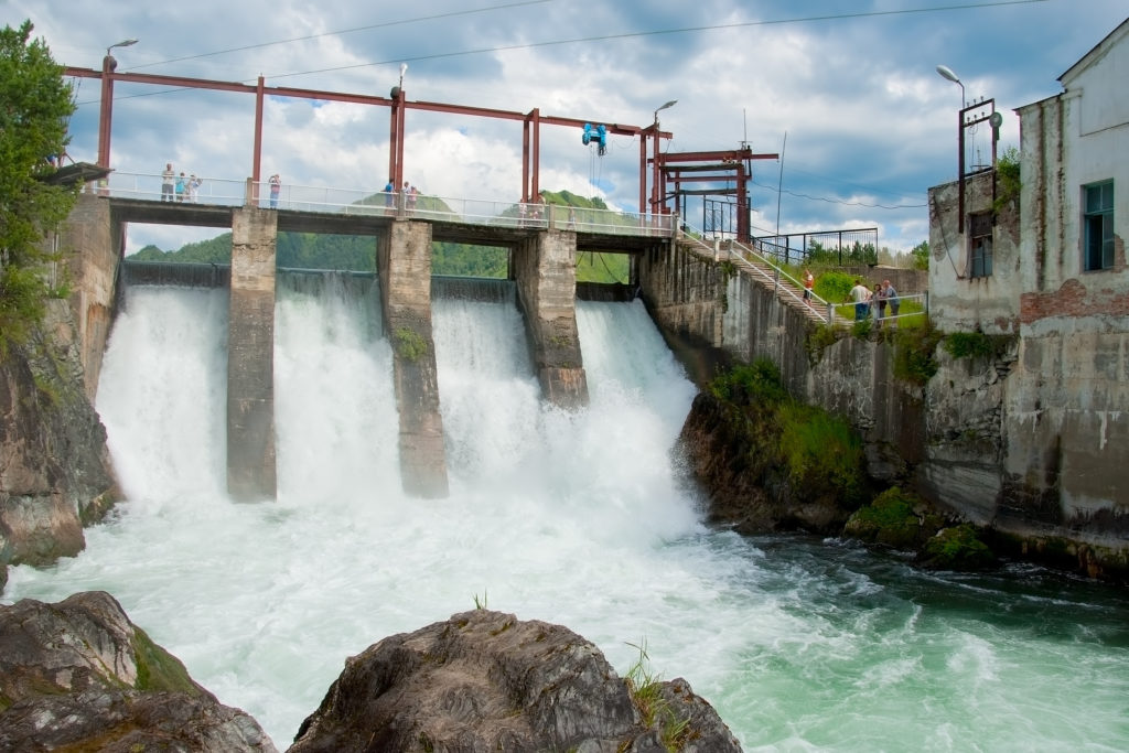 hydroelectric power station using water trapped behind a dam